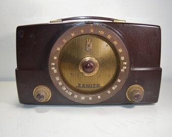 Zenith AM FM Tube Radio Model T825