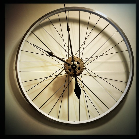Bike wheel clock large wall clock bicycle by dreamgreatdreams for Bicycle wheel wall art