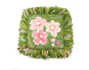 Rug hooked mat Green pink flowers Wool trivet Whimsical hot mat Proddy grass Hand hooking Spring hot pad Mothers Day gift