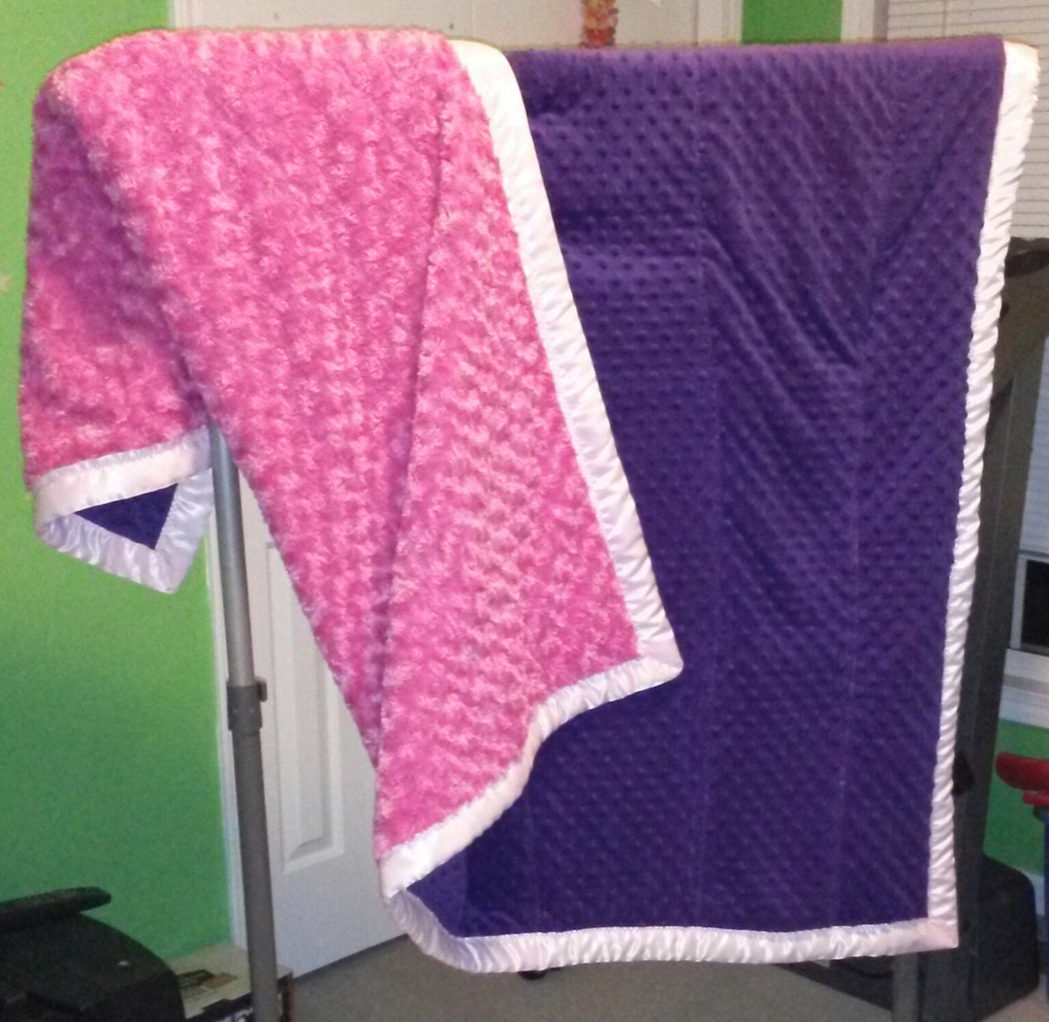 Dark Purple Bright Pink Warm Comfy Cozy Fleecy Blanket W