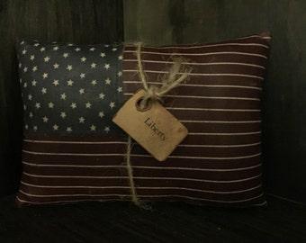 Primitive American Flag Bowl Filler / Tuck