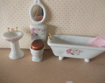 Dolls house Bathroom set in white with  accessories