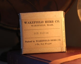 "Antique Wakefield Herb Co. ""Rue Poison"" - Unopened Herb Box Early 1900s - Kitchen Accent Home Decor Oddity Curiosity"