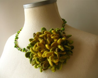 Hand felted Dahlia Felted flower brooch green yelow Felt brooch Merino wool brooch Felt jewelry Ready to ship