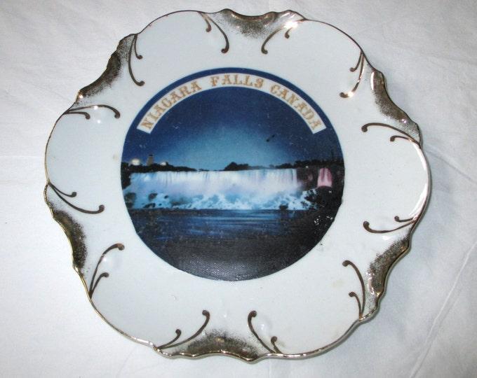 "8.25"" NIAGARA FALLS CANADA Souvenir Plate, Gold Embossed Trim, Vintage Japan"
