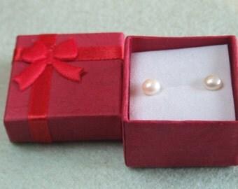 Ladies Freshwater Stud Earrings