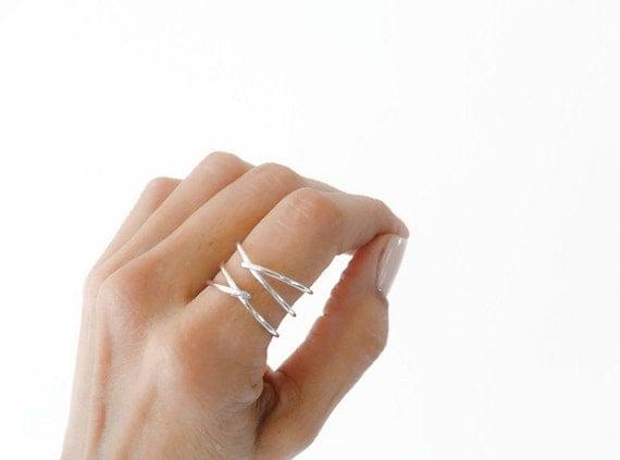 criss cross sterling silver ring index finger mid finger ring. Black Bedroom Furniture Sets. Home Design Ideas