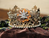 Embellished Metal crown, rusty crown, crown decor, french decor, cake topper, Mediterranea Design Studio, distressed crown