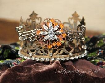 Embellished Metal crown, rusty crown, wedding crown, tiara, french decor, crown cake topper, Mediterranea Design Studio, distressed crown