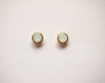 White Opal Round Stud earrings - titanium earrings-  with swarovski white oparl -dainty