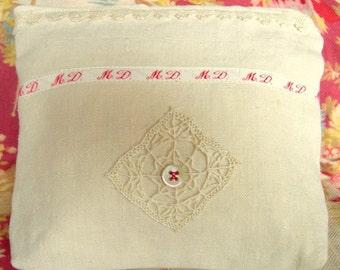 1 Cosmetic Bag Vanity Purse Make up bag Toiletry purse Zipped purse Make up storage Trousse de Toilette