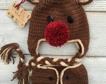 Reindeer Crochet Baby Hat and Diaper Cover Photography Prop Set. Brown and Red