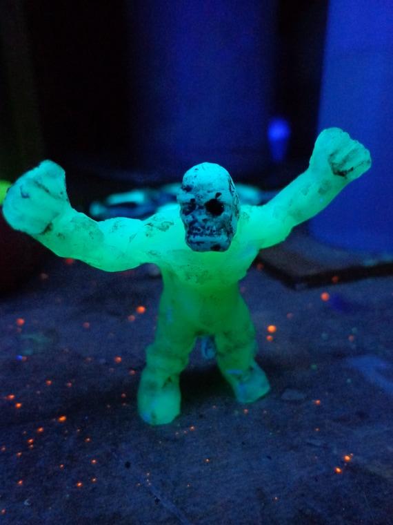Black light glow in the dark naked zombie custom resin toy for Glow in the dark resin