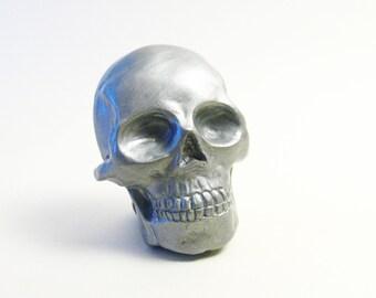 silver skull brooch / magnet handmade