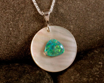 Sterling Silver Australian Opal on MOP Circle Pendant, Mother of Pearl #101-00201