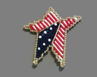 Patriotic Star Magnet, Plastic Canvas, Red White and Blue, Fourth of July, Independance Day, Needlecraft Decor, Refrigerator Magnet