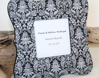 Black and White Picture frame, Photo frame, Damask Frame,  decor