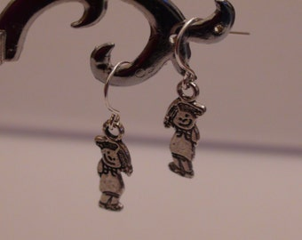 Silver plated earrings.Womens earrings.Womens jewelry.Dangle earrings.