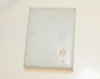 "Vintage Crown Trifari Necklace Jewelry Box 3.25x2.5x1"""