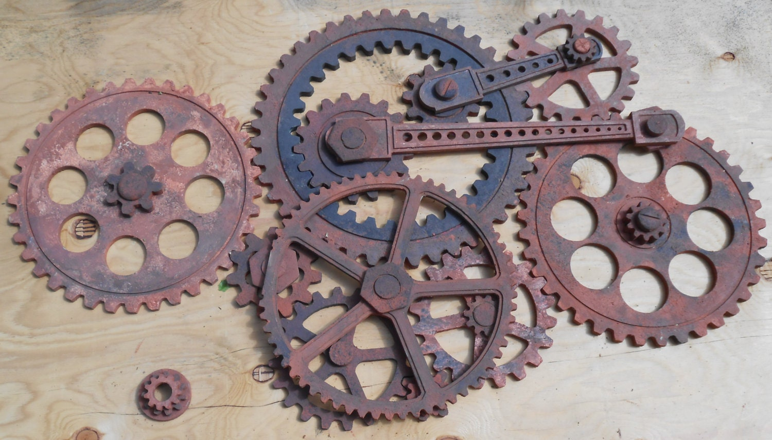 Gear wall decoration 3 feet by 5 feet wooden gears wood for Decoration murale industrielle