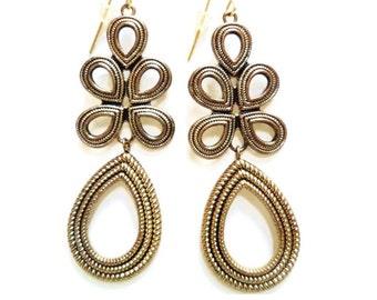 Vintage Gold Tone Dangling  Earrings