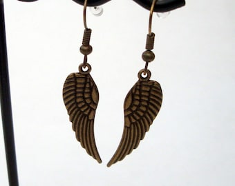 Angel wing earrings, antique bronze wing charms, vintage kitsch jewellery