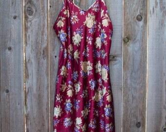 Vintage Dentelle Floral Burgundy Slip Night Gown Negligee