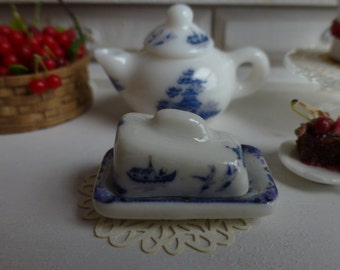 Blue Willow Dollhouse Miniature Butter/Cheese Dish