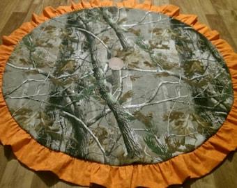 Real tree camo tree skirt with hunters Orange ruffle