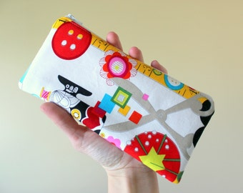 Zippered Make Up Bag, Pencil Pouch, Toy & Snack Bag, Coupon Keeper with Sew Now Sew Wow Fabric