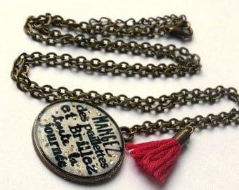 Quote necklace, mangez des paillettes, french quote, resin necklace, quote jewelry, glitter necklace, quote pendant, motivational jewelry