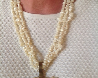Vintage Mother of Pearl Zuni Bear Artisan Necklace