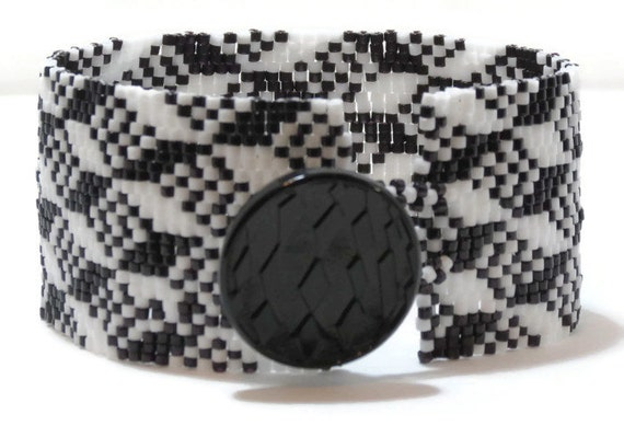 Basket Weaving Osi : Peyote bracelet pattern geometric design optical