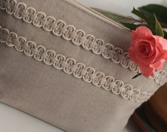 Linen Cosmetic Bag Decorated with Two Linen Stripes