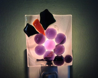 Fused Glass Bunch of Grapes Night Light