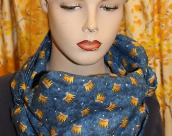 adjustable cowl scarf. like an infinity scarf but better!  where the wild things are crowns