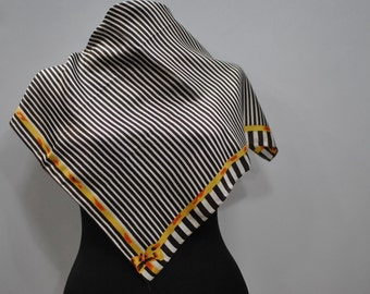 Vintage PRINTED scarf ...(683)