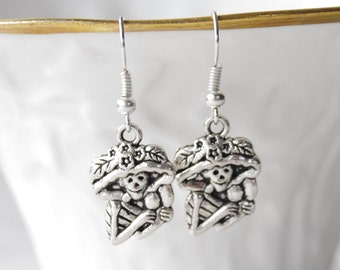 Silver Skull Earrings / Day of the Dead earrings / Kawaii Skull Earrings / Cinco De Mayo Earrings
