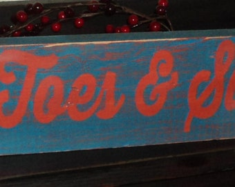 Sandy Toes & Salty Kisses Wooden Wall Sign