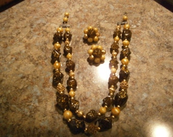 1950s Necklace, Earrings Set, Glitter, Plastic Beads, Gold Tone Metal, Vintage