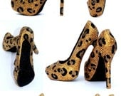 Crystal Leopard High Heels in light gold and black