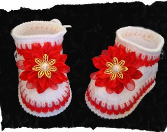 White & Red Baby Booties with bows .Knit Crochet Booties.Crochet shoes.