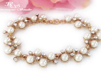 Pearl wedding bracelet Gold bridal bracelet pearl bridesmaid bracelet wedding jewelry bridesmaid gift bridal jewelry B0145G