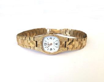 Womens watches, Gold vintage watch. Soviet watch, Women's retro watch, Vintage watch, Russian watch, Gold mechanical watch Chaika 17 jewels