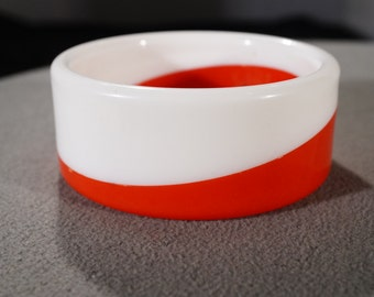 Vintage Retro Style Lucite White Red Large Bangle Bracelet Jewelry    K