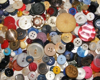 Vintage Buttons 8 Ounces 200-300 Buttons Various Styles & Colors *FREE SHIPPING*