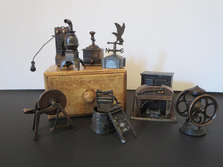 mobilier maison de poup e miniature en fonte durham meuble. Black Bedroom Furniture Sets. Home Design Ideas