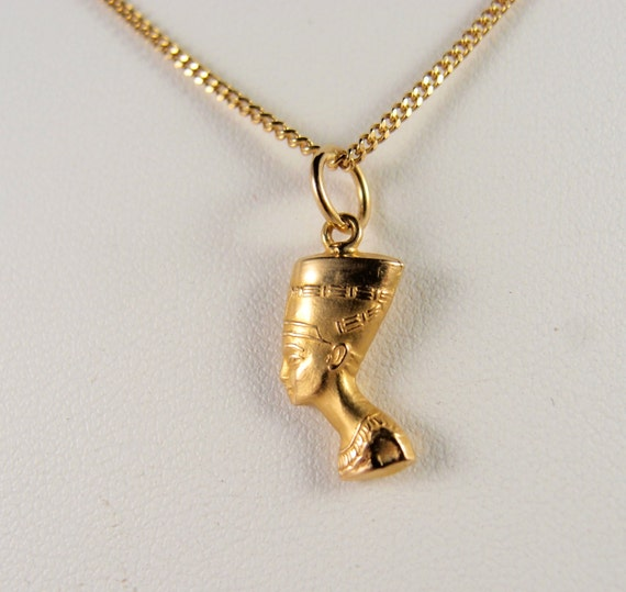 18k Solid Gold Queen Nefertiti Necklace Pendant Vintage