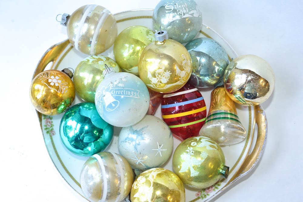 Collection of christmas ornaments 18 vintage by for Collecting vintage christmas ornaments