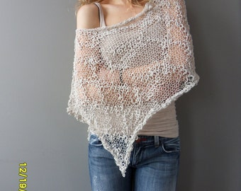 Ivory cotton summer poncho. Loose knit poncho. Summer knitwear.